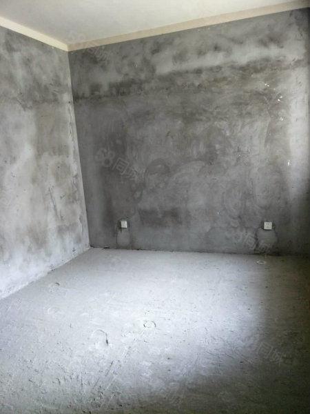 急售和谐家园电梯复式送大平台240平只要50万仅此一套