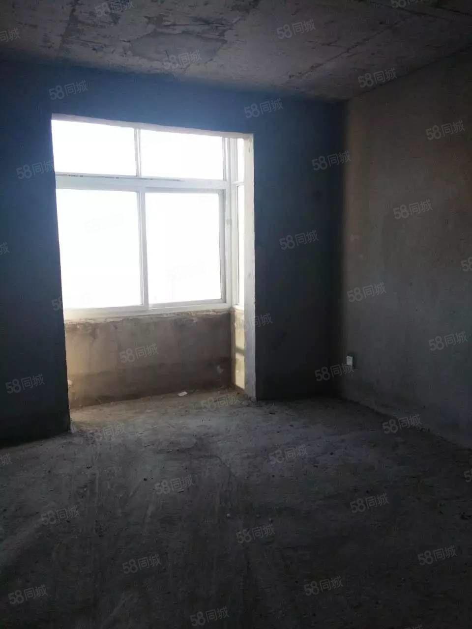 土产公司院内四楼三室两厅