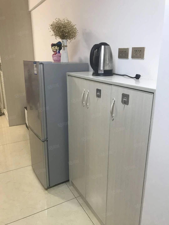 麒龙国际单身公寓出租有钥匙随时看房