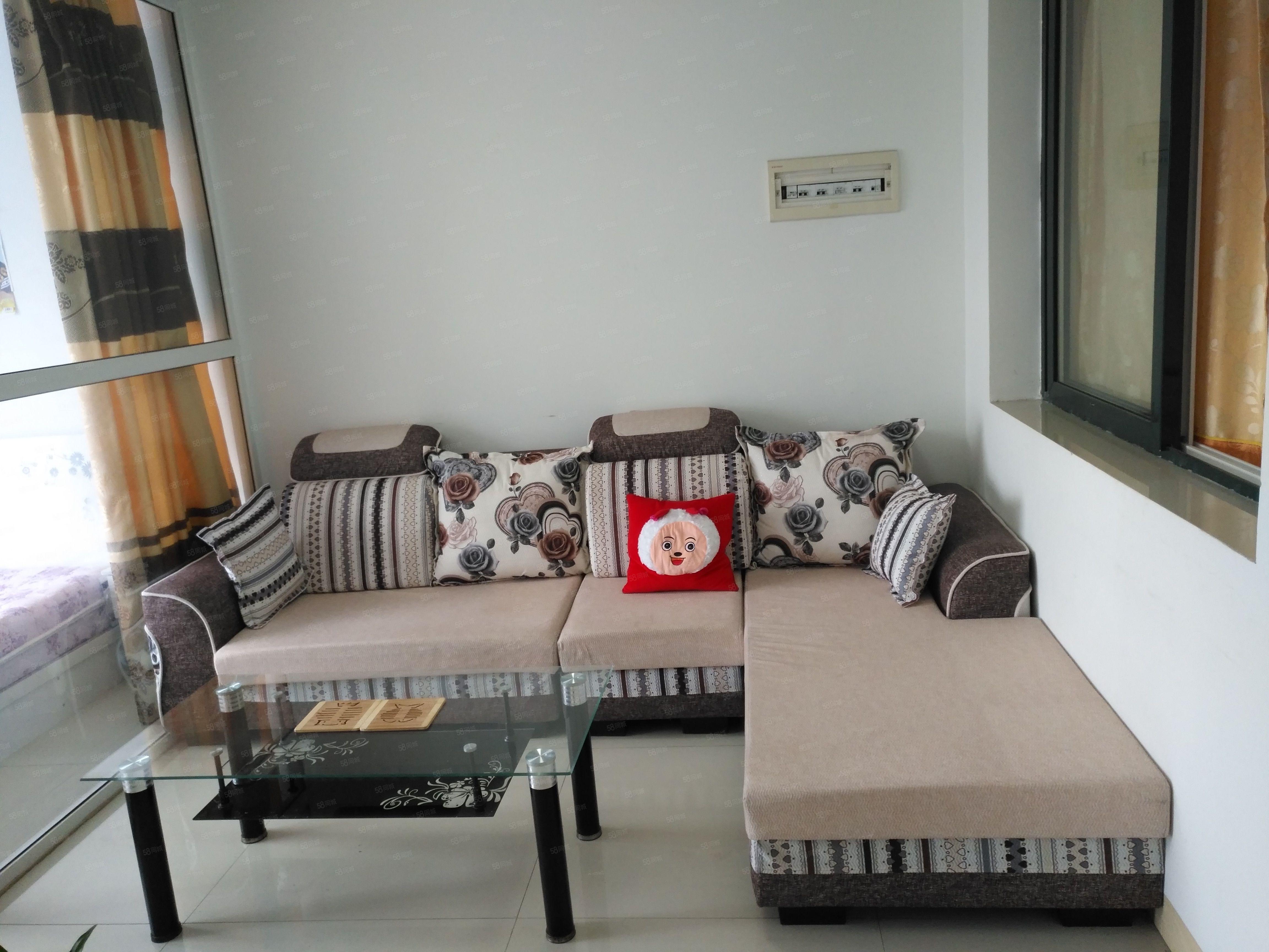 龙腾青年公寓小两室家具家电齐全拎包入住