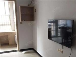 人民路名门尚居电梯单身公寓可半年租拎包入住