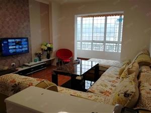 腾龙国际高层三室两厅精装房,家具家电齐全,拎包入住。