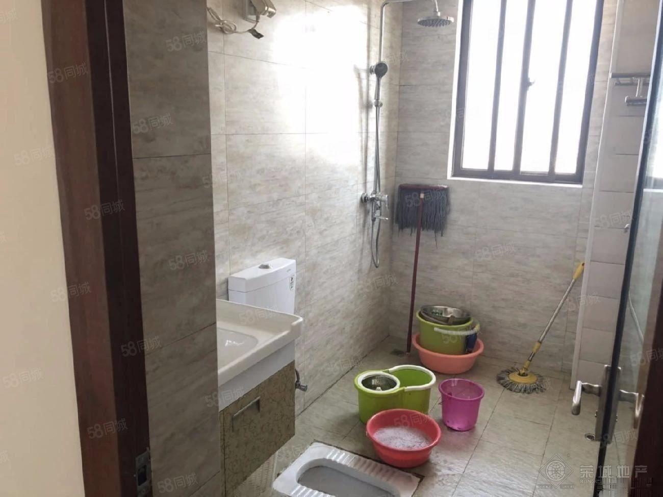 玉水金岸1600元3室2厅1卫精装修,超值,随时看房