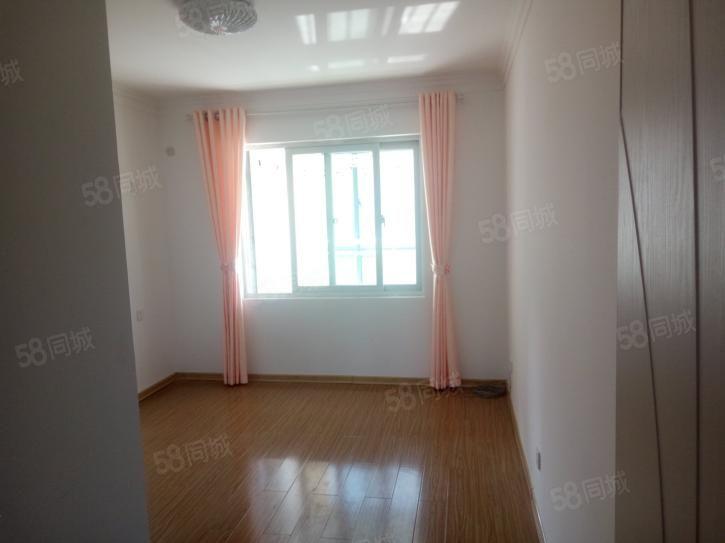 阳光盛景园三室简装/140平1500元/很干净有钥匙