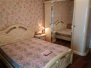 《曹集路新天地附近》三室一厅精装修+随时看房+随时入住