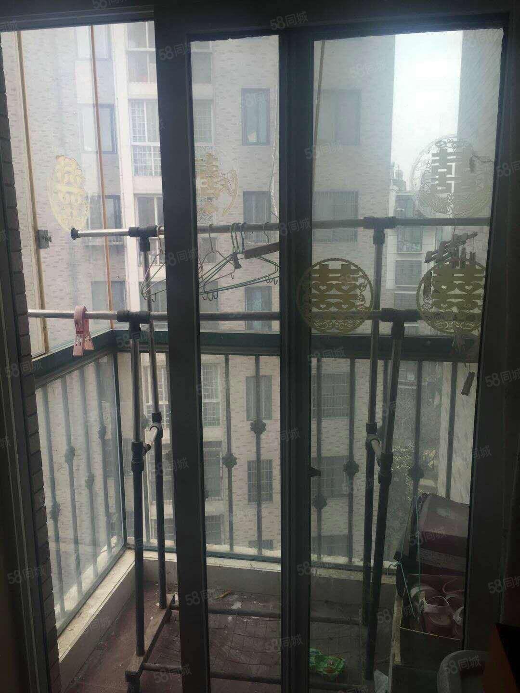 锦绣兰庭电梯房双卧朝南,双阳台出售,满五唯一,可贷款!!