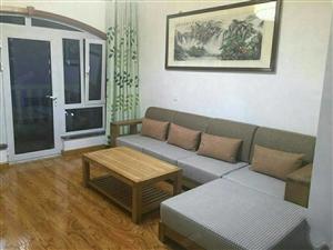 紫城御都套二,电梯洋房,家具家电齐全拎包入住。温馨舒适。