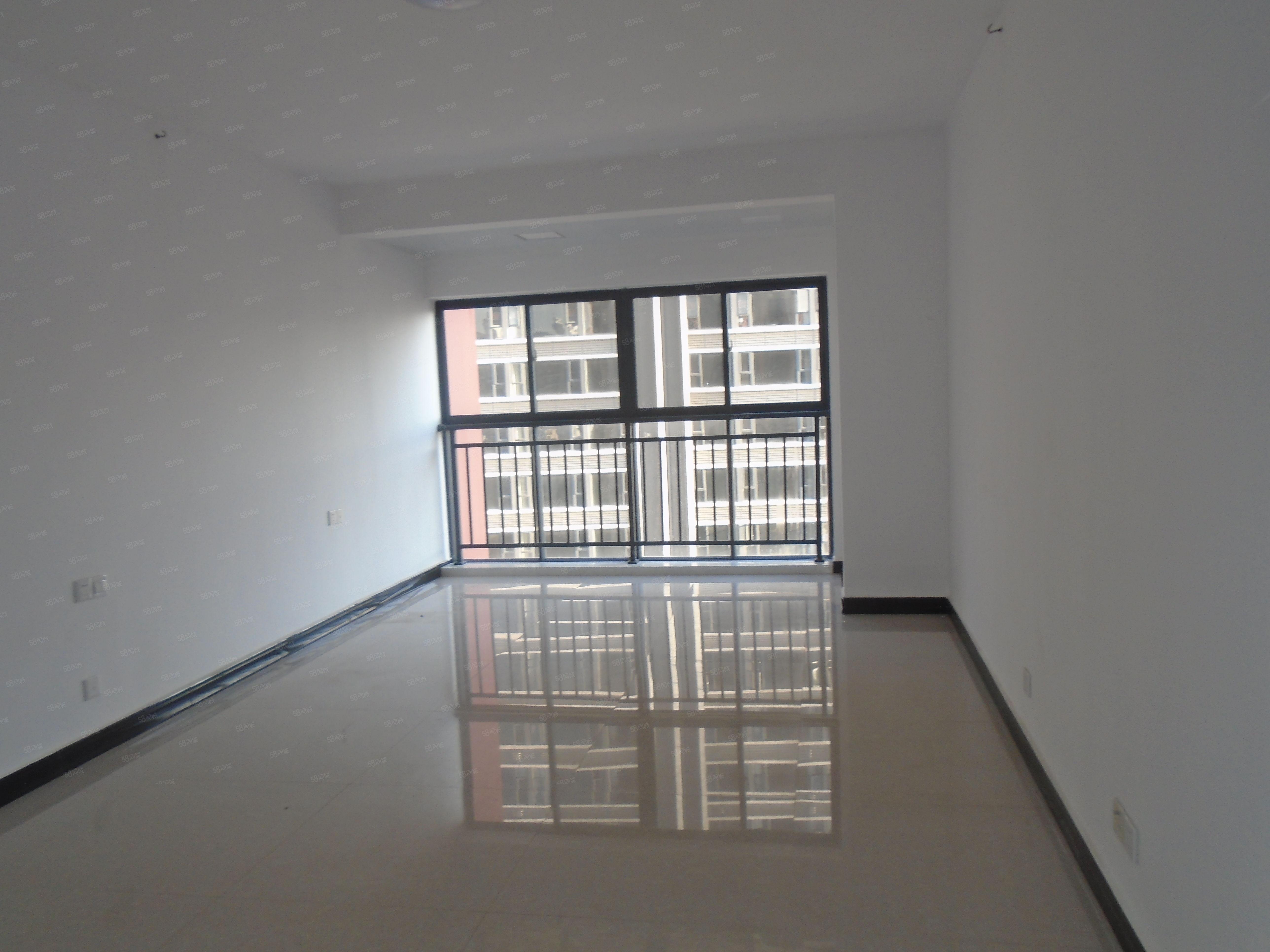 时代广场三期、1室1厅1卫、单身公寓、精装修、空房澳门金沙平台
