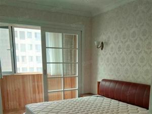 新居华府四楼带地下室,高档装修。