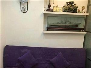 君裕东湖,成熟社区,精装修带阳台。