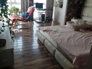 精装修复式三室客厅朝阳随时看房采光好