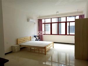 清江国际酒店旁1室0厅1卫