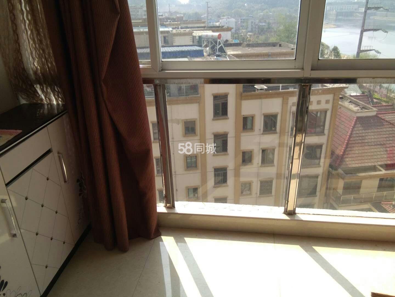 润园小区1室1厅1卫