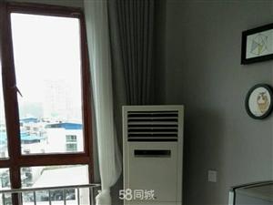 滨江路高档电梯公寓1室1厅1卫