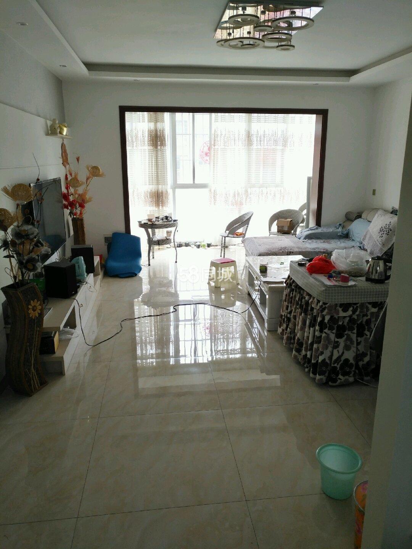 鼎尚城小�^3室2�d1�l