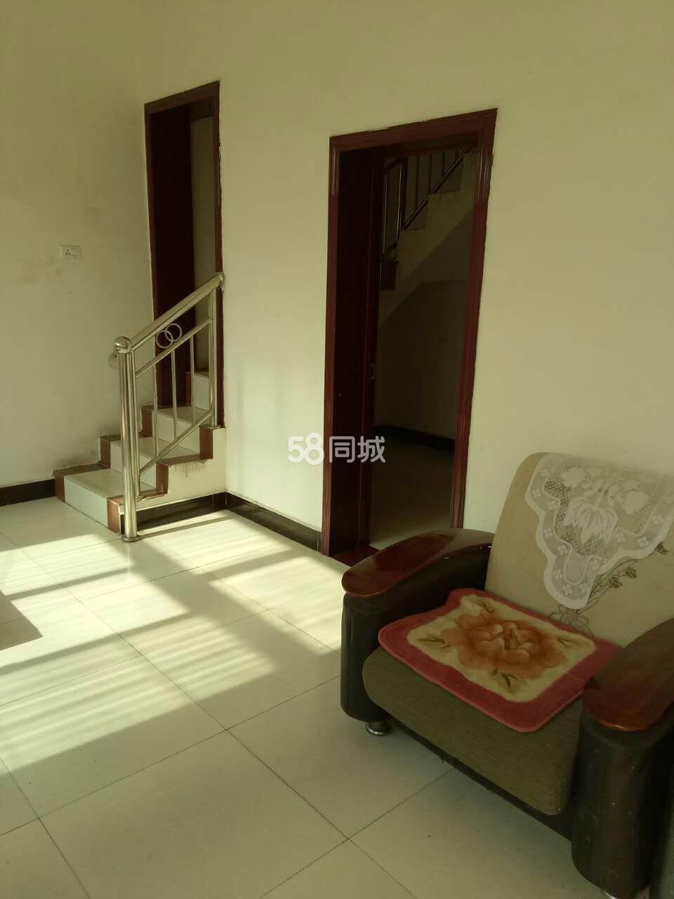 渭城区渭城镇政府旁5室2厅2卫