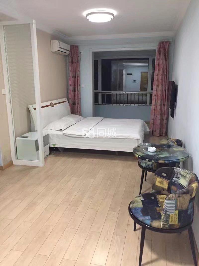 富尔沃财富汇3号门1室1厅1卫