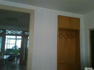888真人娱乐西三路三室两厅三层精装修房
