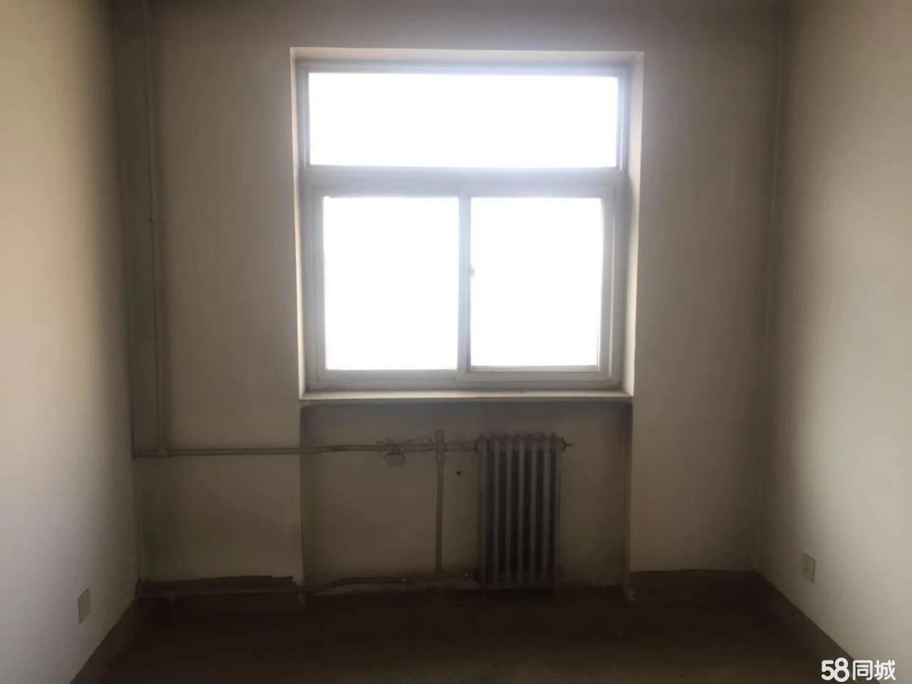 虎头园小区4室2厅2卫