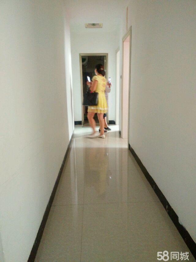 金�P大道3室2�d2�l