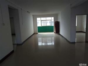 澳门金沙县凤凰城西200米简装阳光三房3室2厅1卫