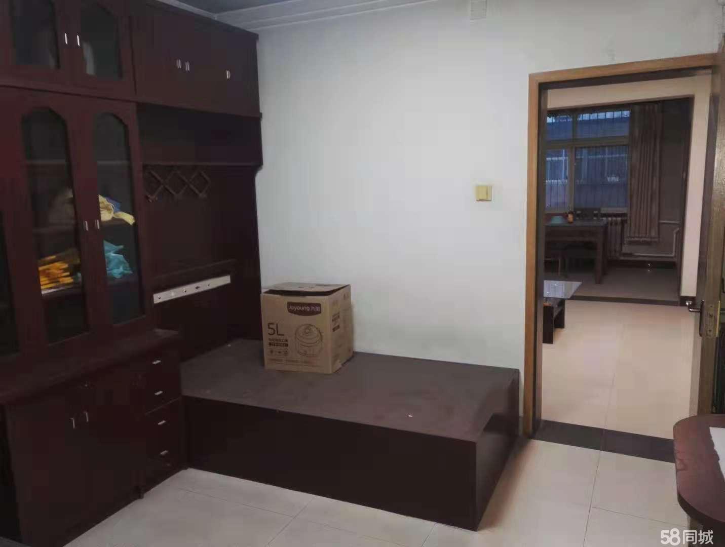 东苑小区2室2厅1卫