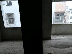梁子岛卫生院职工小区70m22室2厅2卫低价出售