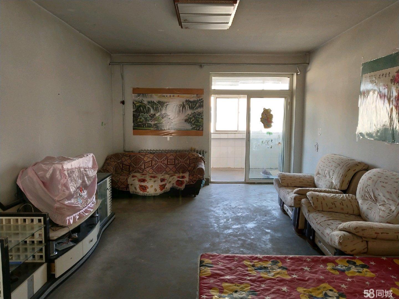 武山县医院家属楼3室1厅1卫