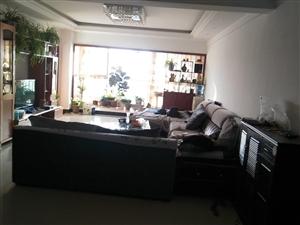 锦苑小区4室1厅2卫