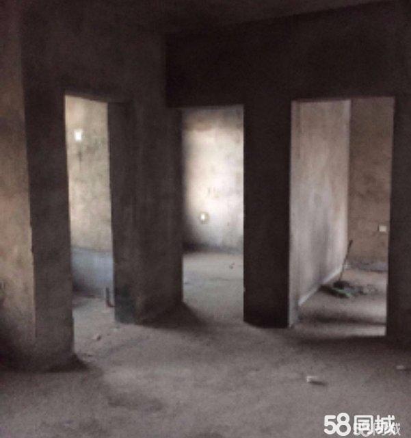 北关小区六楼毛坯两室一厅60平7.8万
