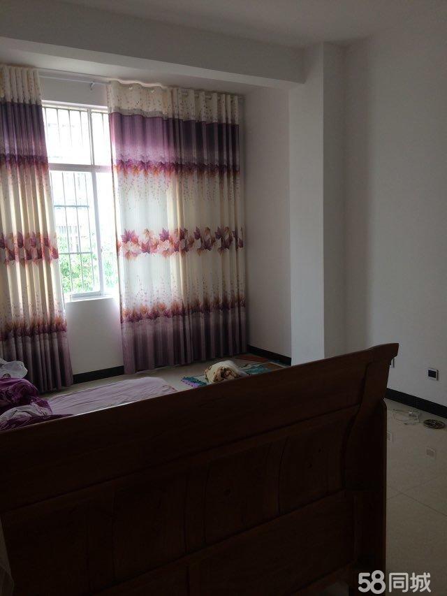 兴电小区,两格门面7室3厅5卫,洗衣间,储藏室