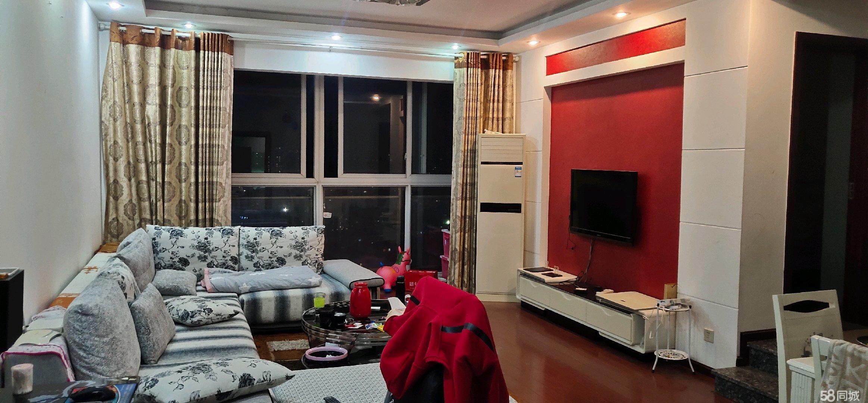 金港国际,三室两厅两卫,户型方正合理,全屋采光