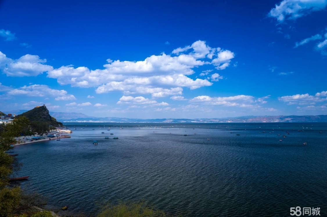 澄江抚仙湖·广龙小镇精装修带家电托管返租稀缺湖景公寓出售