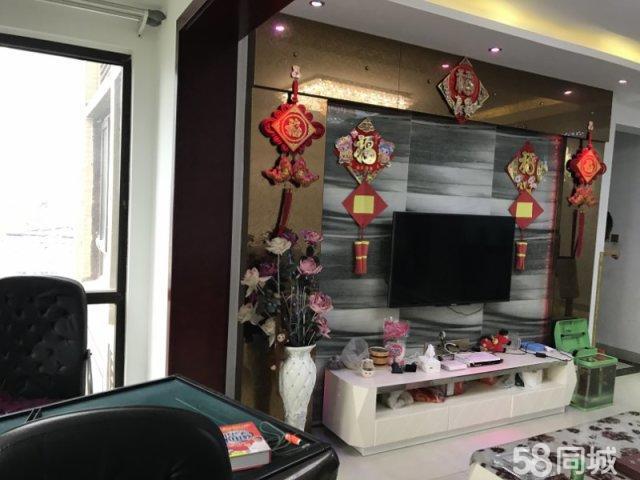 北门滨江路蓝光香江国际优质2室出租家具家电全齐拎包入住