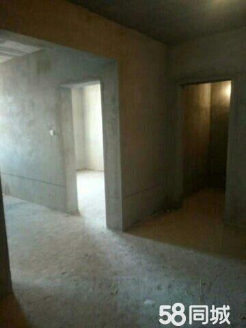 大润发高层2室99m2