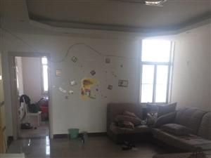 山亭安居小区3室2厅136平米中等装修半年付