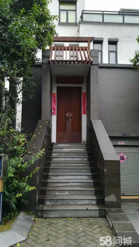 川汇联盟新城 坐北朝南前庭后院带车库 8室4厅4卫440平米