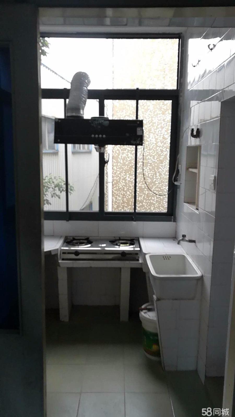 澳门星际县人武部宿舍2室1厅1卫60平米