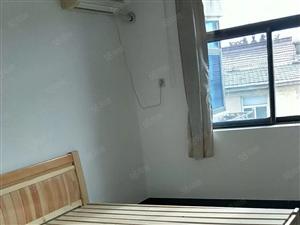 房东诚售老实小南楼房离学校一步之遥靠近市场