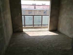 【南海上城小区】三室两卫电梯中层毛坯