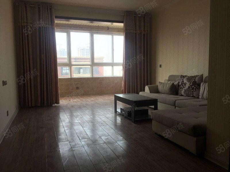 亚威高档小区精装2居室,极好楼层,低于市场价急售。
