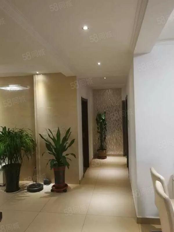 万达熙龙湾,130平3室2厅2卫,豪华装修,电梯洋房拎包入住
