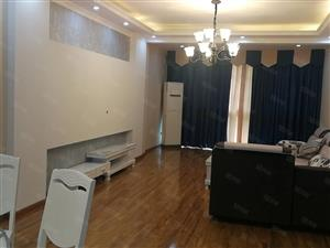 西区标准大三室两厅两卫,精装修,位置好只要98.8万