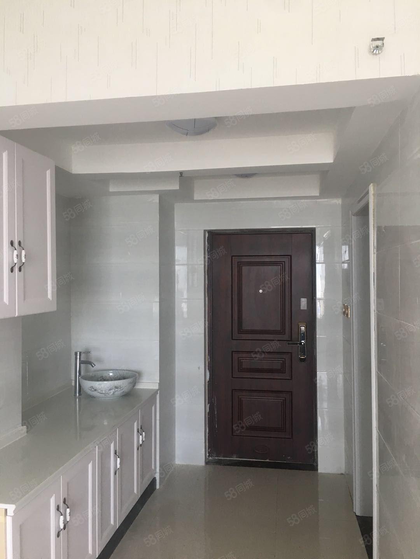 汇林绿洲小公寓,精装首次出租,电梯中层,适用于办公