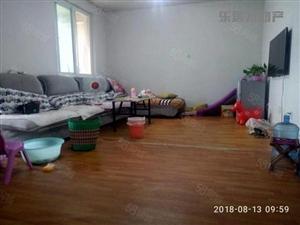 带一个14平方的储藏室,看房方便