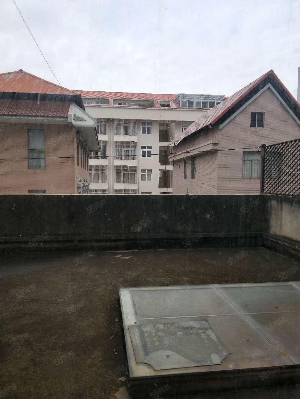 市医院附近别墅带有80平米临街商铺450万金沙官方平台