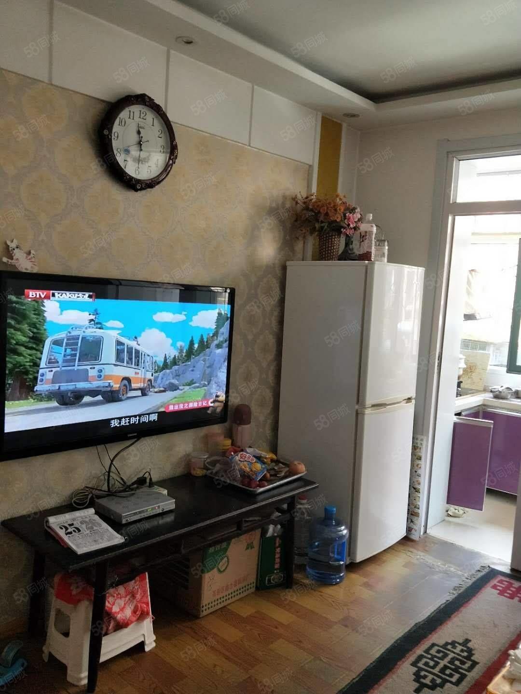 雅秀苑紧邻五区囗平旺公园小区外有市场外置好采光好精装修