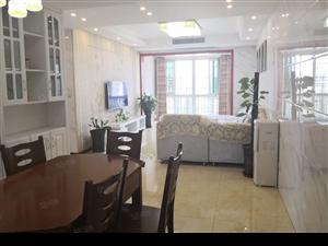 家装顶跃4房2卫使用180平送家具家电送私家花园50平