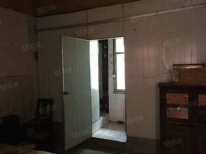 便宜房子:安岳建设局后面3楼63平米只卖12万