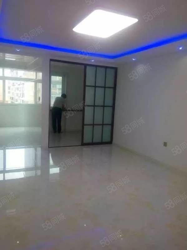 急用钱出售金景家园6楼两室两厅精装修包更名39.9万
